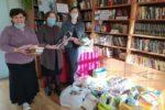Православная гимназия подарила библиотеке Знаменская книги